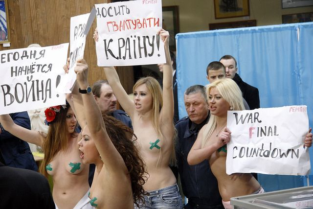 1024px-election_protest_crucified_ukraine